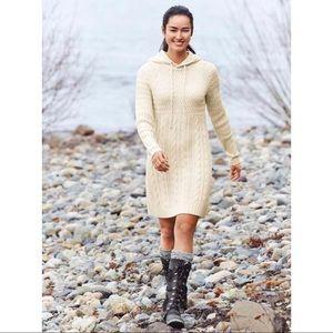 Like new! Athleta Cold Spell Sweater Dress Sz M